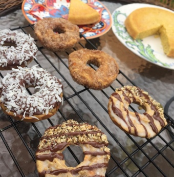 "Mini-Donut ""Cakes"" in all shapes and sizes"